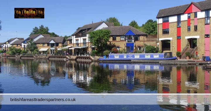 BEAUTIFUL CANAL WALKS IN ENGLAND: GRAND UNION CANAL IN COLNE VALLEY, HARROW, ESSEX