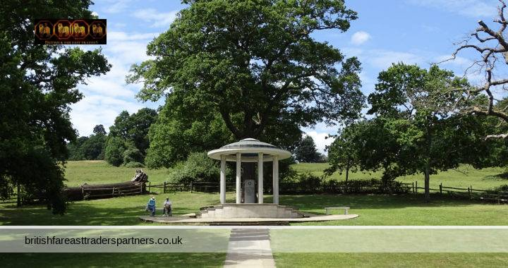 BEAUTIFUL ENGLISH HILLS & RIVER THAMES WALK: RUNNYMEDE, OLD WINDSOR- THE HOME OF MAGNA CARTA