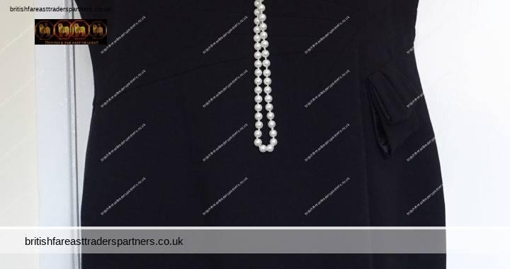 Ladies Women's M&S Black Shift Dress Knee Length Size UK 20 Casual / Smart Wear