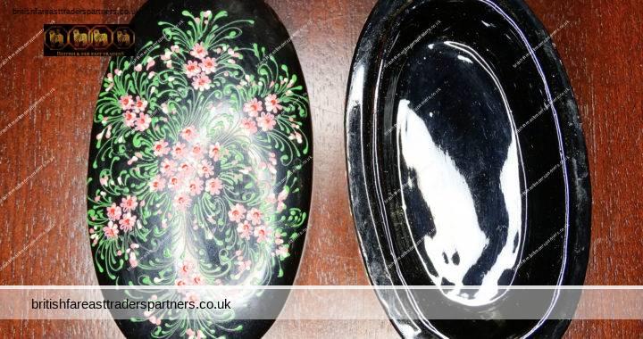 VINTAGE RUSSIAN BLACK Hand-painted Florals Papier Mache Oval Lacquer Box + Lid VGC