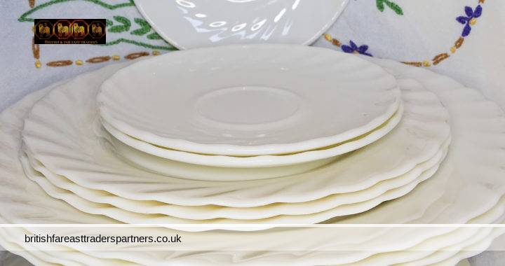 LOT of 14 ARCOPAL France TRIANON White IVORY Milkglass Dinner Sides Salad Soup Saucers SWIRL Pattern PLATES