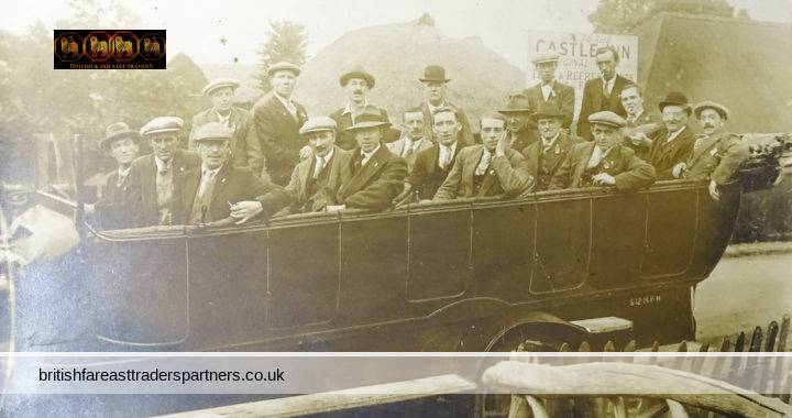 ANTIQUE 1920s CASTLE INN Hadleigh ESSEX England GENTLEMEN Tourist Passengers in Bus Real Photo (RPPC) TOPOGRAPHICAL SOCIAL HISTORY FASHION TRANSPORT POSTCARD