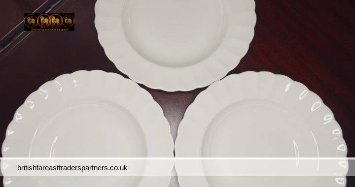 VINTAGE Lot of 3 Signed EDINBURGH Scalloped Edge Off-White SOUP PLATE Made in ENGLAND CERAMICS / TABLEWARE