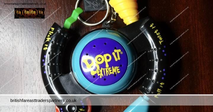 VINTAGE 2000 HASBRO Basic Fun Inc. Bop It Extreme Mini Electronic Game Key Chain Toy