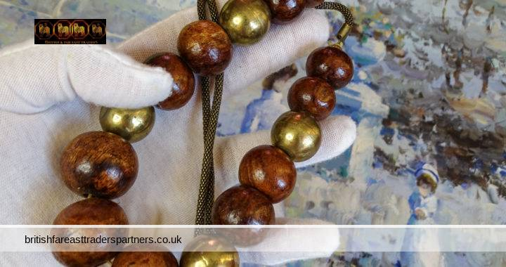 VINTAGE Ladies' Women's WOODEN & Golden CHUNKY Beads BOHO Bohemian Hippie Ethnic Tribal Necklace